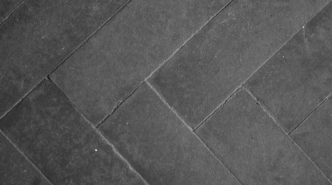 Consigli su come pulire pavimento in gres con superficie - Come pulire pavimenti esterni ruvidi ...