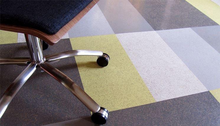 come pulire un pavimento in gomma